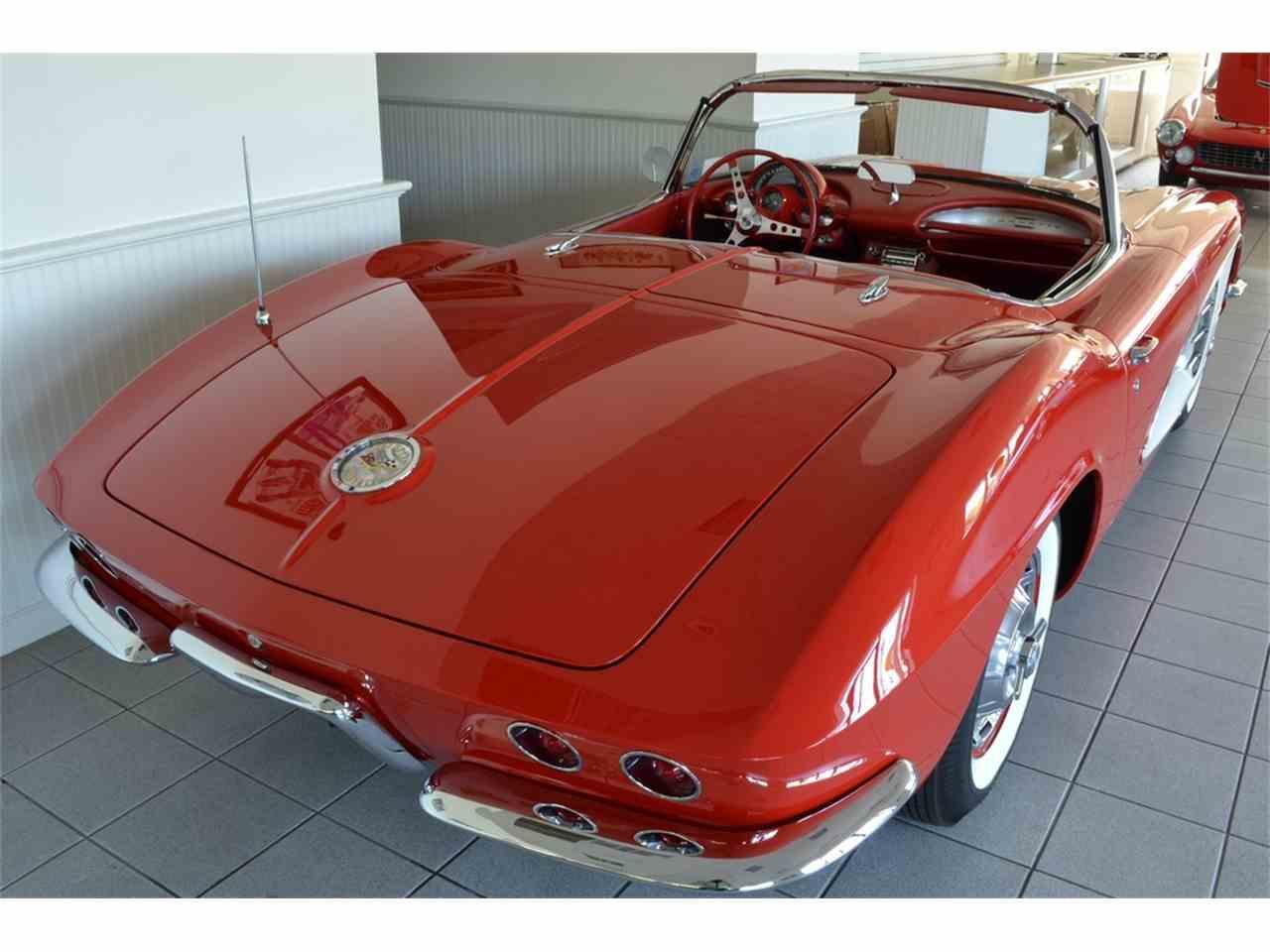 Large Picture of '61 Corvette - LGP0
