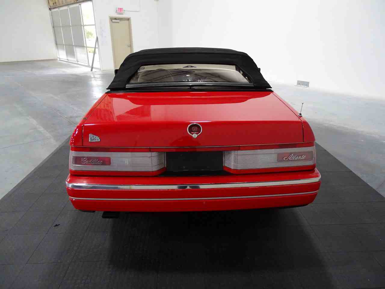 Large Picture of '90 Cadillac Allante located in Texas Offered by Gateway Classic Cars - Houston - LGSJ