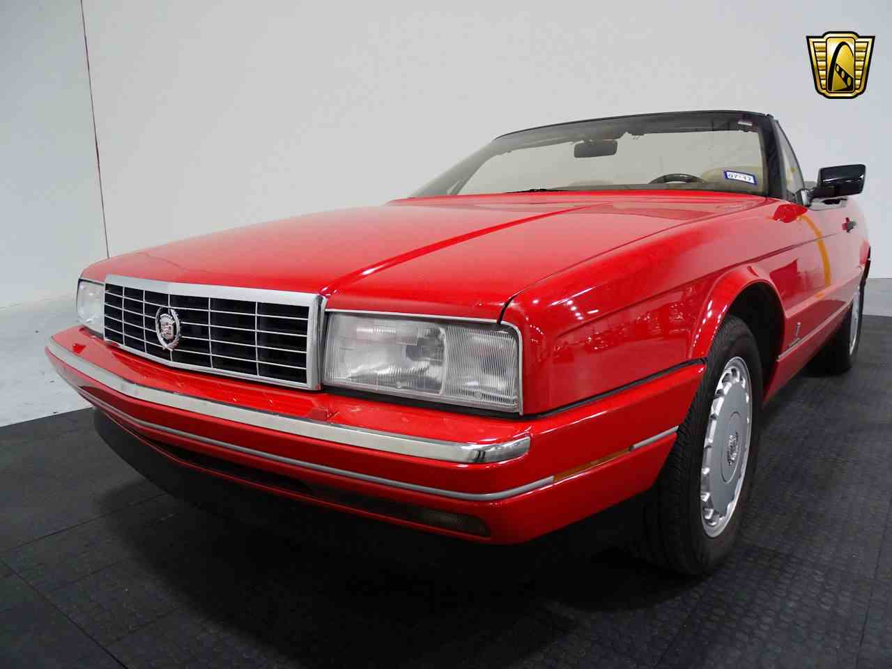 Large Picture of '90 Cadillac Allante - $11,595.00 - LGSJ