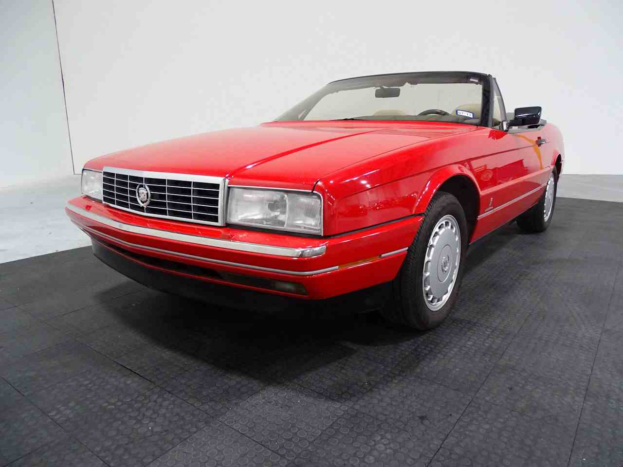 Large Picture of '90 Cadillac Allante located in Houston Texas Offered by Gateway Classic Cars - Houston - LGSJ