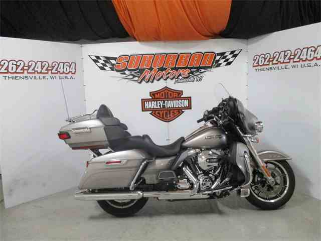 2016 Harley-Davidson® FLHTCU - Electra Glide® Ultra Classic® | 1001565