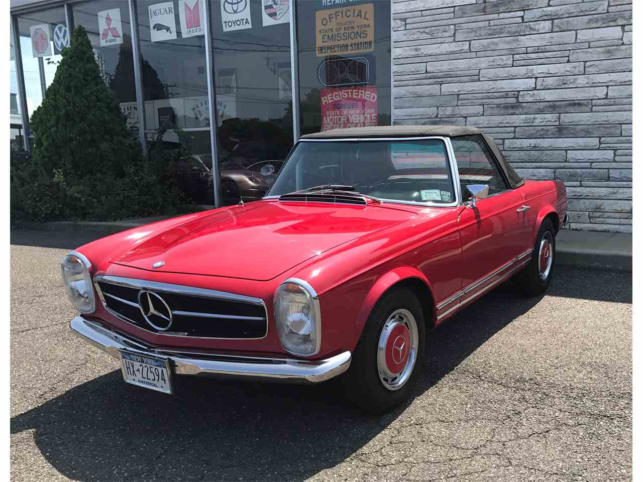 Large Picture of Classic 1967 Mercedes-Benz 280SL located in Huntington New York - $58,000.00 Offered by a Private Seller - LGX2