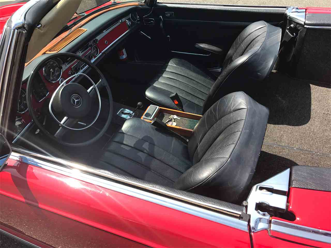 Large Picture of Classic '67 Mercedes-Benz 280SL located in Huntington New York - $58,000.00 Offered by a Private Seller - LGX2