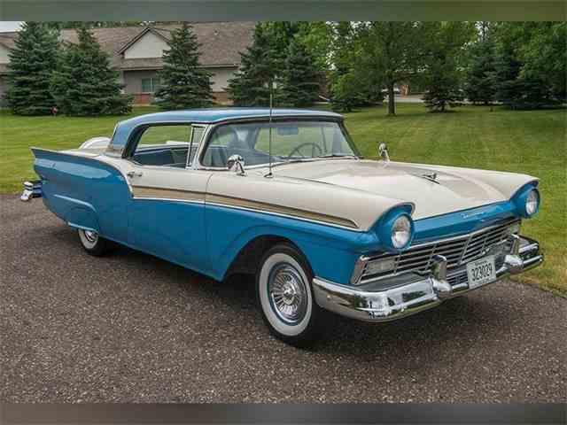 1957 Ford Fairlane 500   1001915