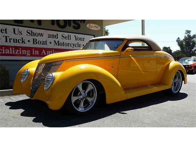 1937 Ford Roadster | 1002070