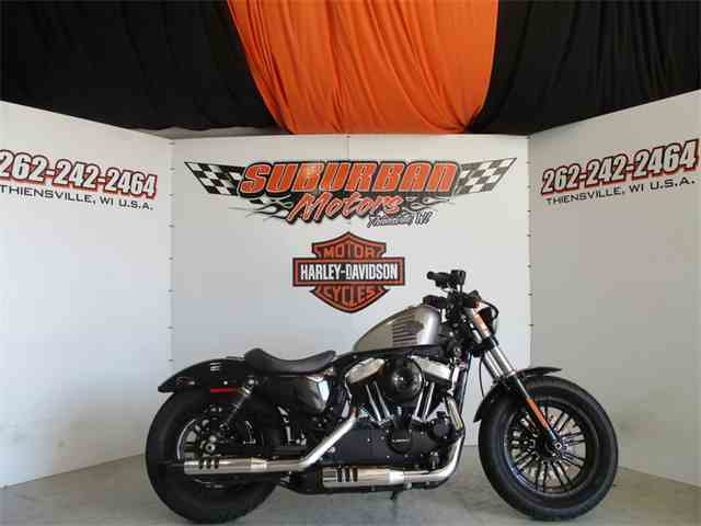 2016 Harley-Davidson® XL1200X - Sportster® Forty-Eight® | 1002162
