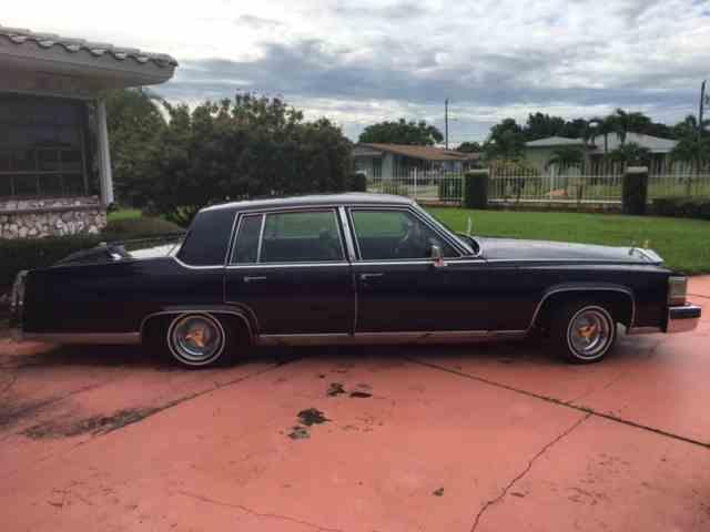 1988 Cadillac Fleetwood Brougham | 1002358