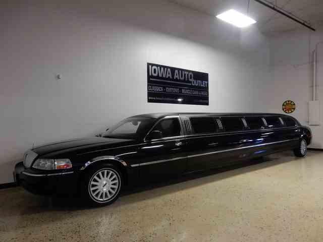 2004 Lincoln Limousine | 1002687