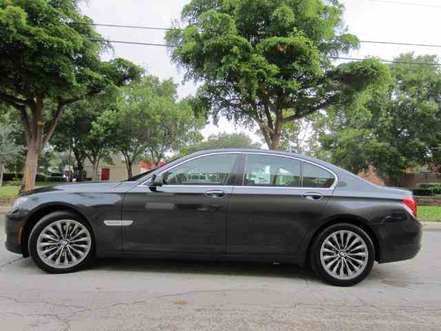 2011 BMW 7-Series740i | 1002725