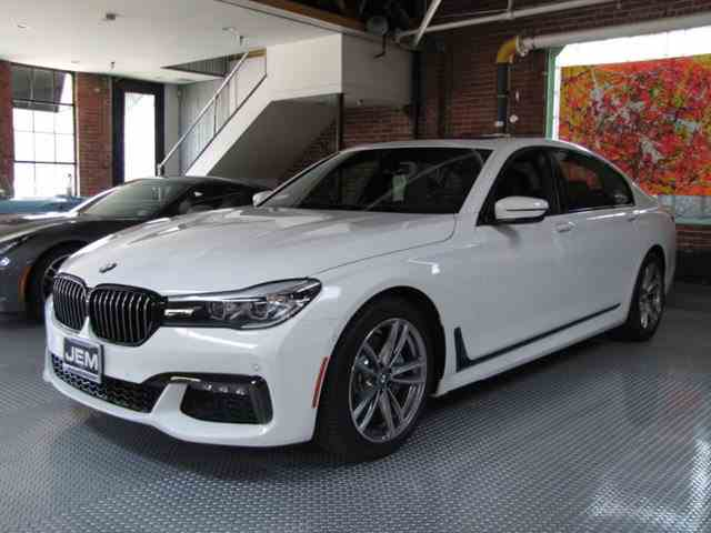 2017 BMW 7 Series | 1002752