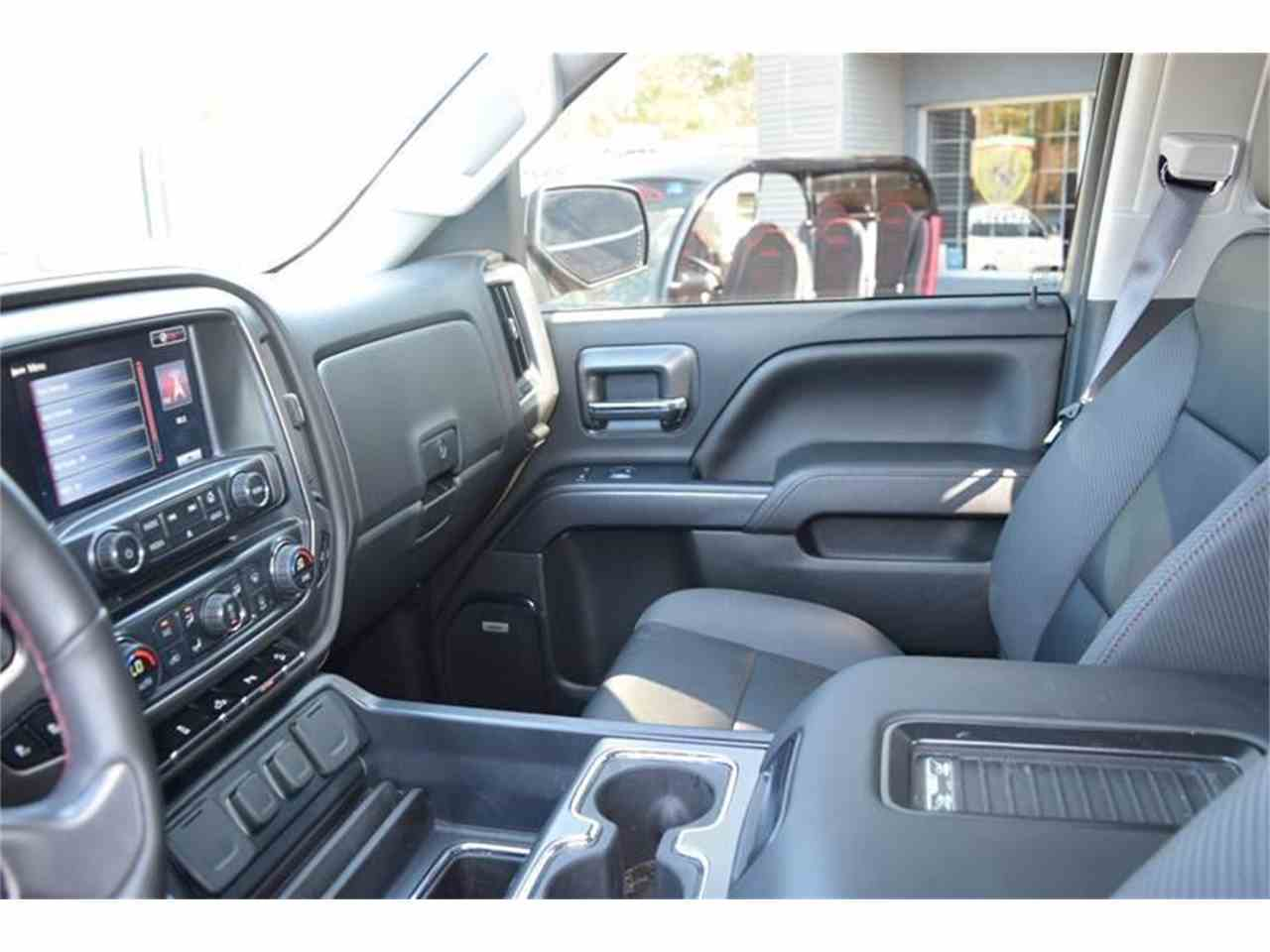 Large Picture of '16 Sierra - LHZQ