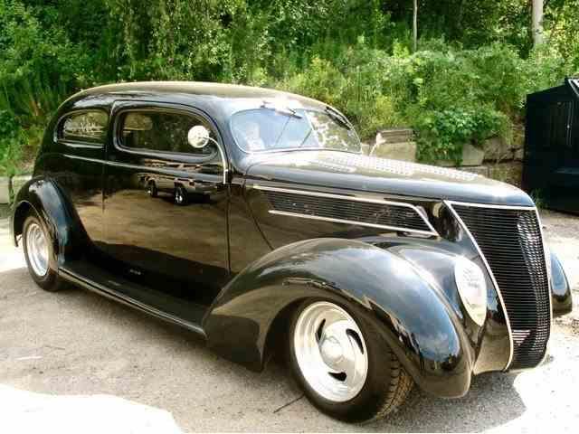 1937 Ford 2-Dr Sedan | 1003119