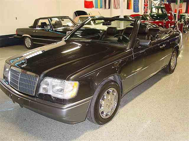 1995 Mercedes-Benz E320 | 1003161