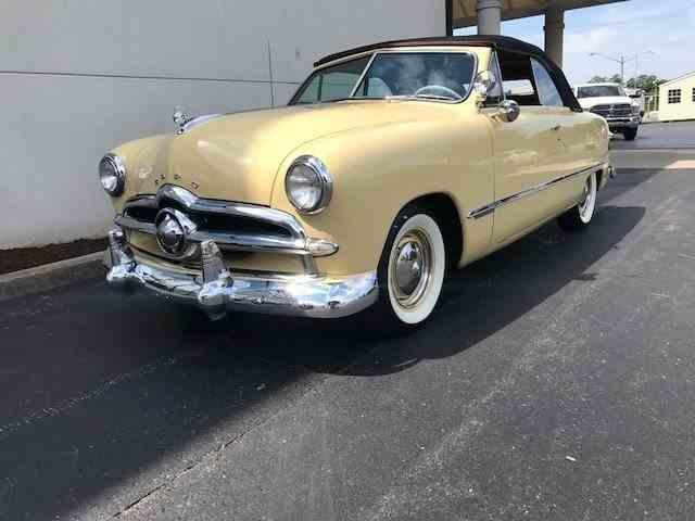 1949 Ford Custom | 1003290