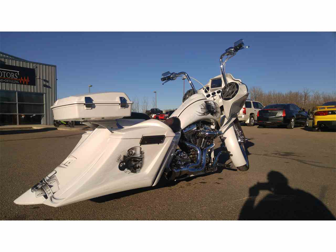 Large Picture of '16 Harley Davidson Road Glide located in Sylvan Lake Alberta - $49,900.00 Offered by Adrenalin Motors - LI8J