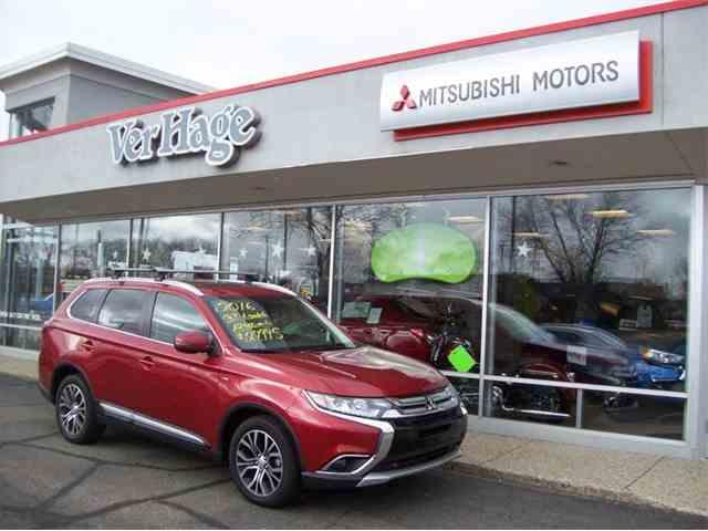 2016 Mitsubishi Outlander   1003631