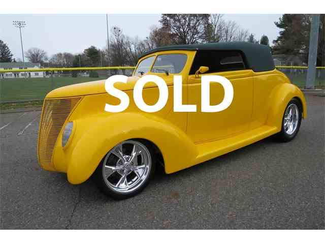 1937 Ford 1 Ton Flatbed | 1003688