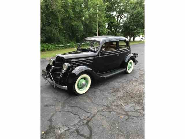 1935 Ford Slantback | 1003860