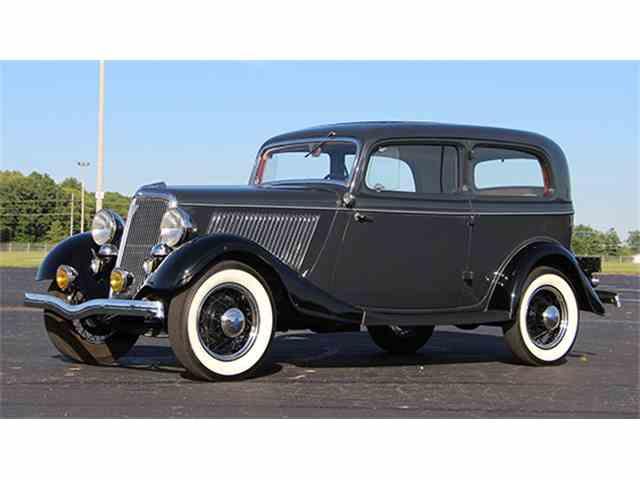 1934 Ford V-8 Tudor Sedan | 1004623