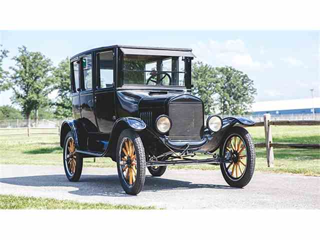 1923 Ford Model T Four-Door Sedan | 1004641