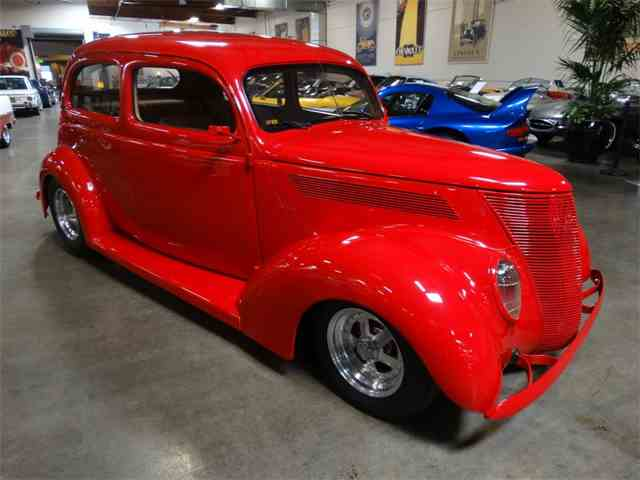 1937 Ford Deluxe | 1004774
