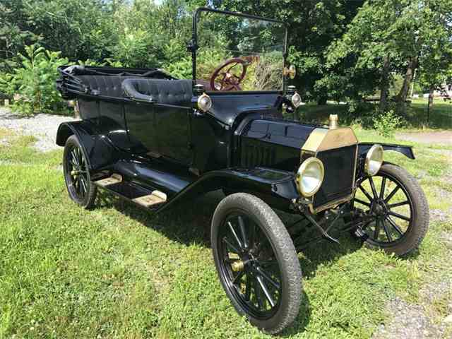 1915 Ford Model T Touring | 1005030