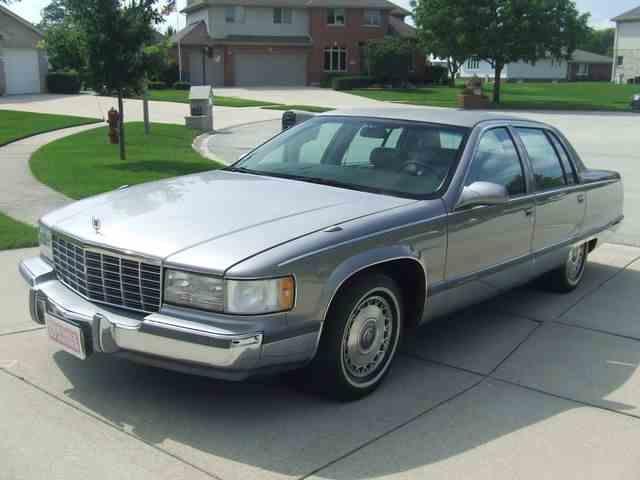 1996 Cadillac Fleetwood | 1005111