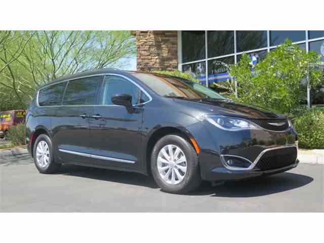 2017 Chrysler Pacifica | 1006446
