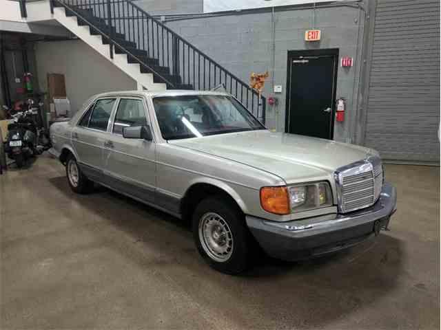 1985 Mercedes-Benz 300   1000801