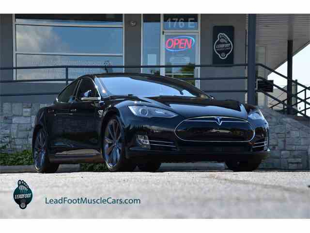 2015 Tesla Model S | 1008895