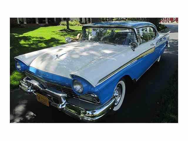1957 Ford Fairlane 500 Town Victoria | 1009122