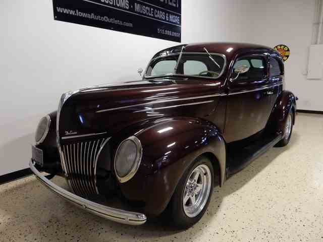 1939 Ford Deluxe | 1009246