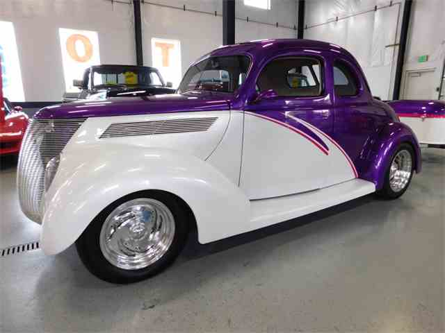 1937 Ford 5-Window Coupe | 1009601