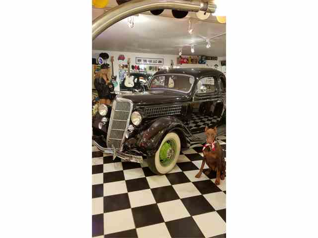1935 Ford Coupe | 1011018