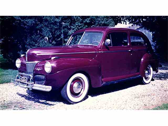 1941 Ford Super Deluxe Tudor Sedan | 1011132