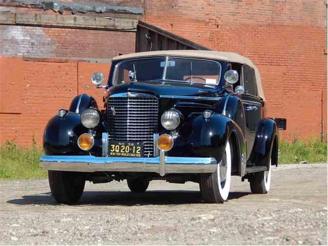 1938 Cadillac V16 | 1011392