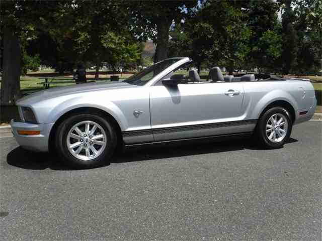 2009 Ford Mustang   1011530
