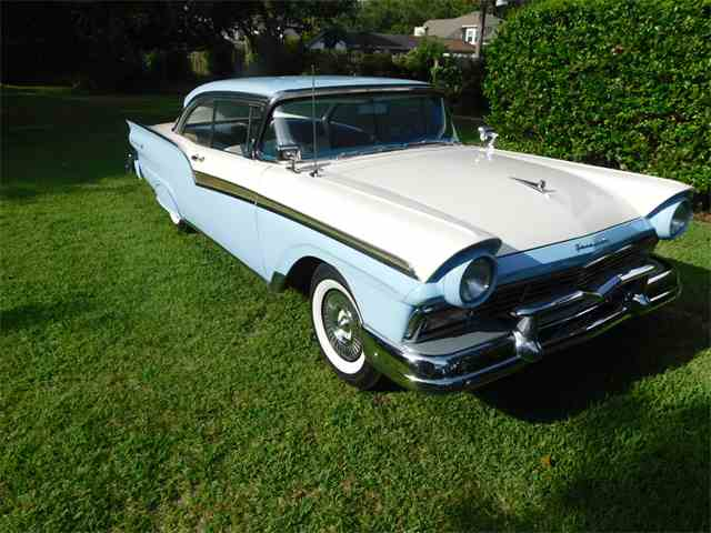 1957 Ford Fairlane 500 | 1011931