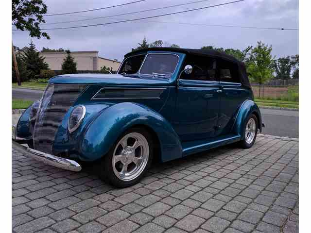 1937 Ford 4-Dr Convertible | 1011978