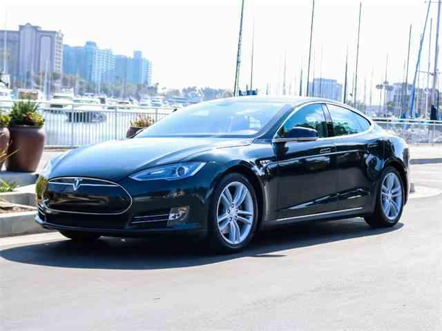 2013 Tesla Model S   1012144
