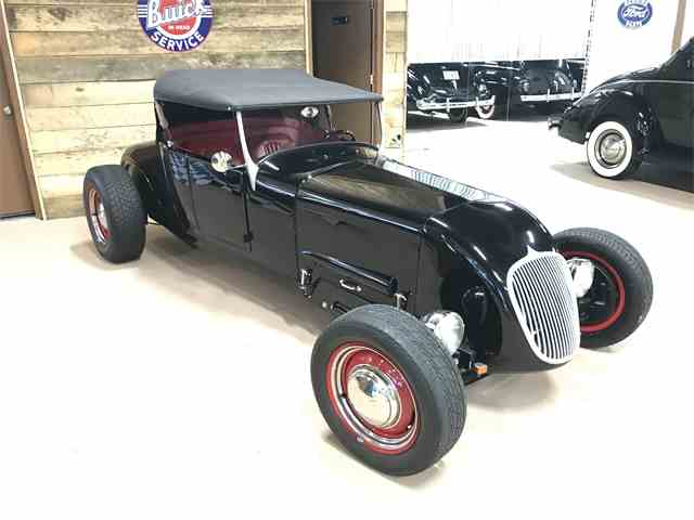 1927 Ford Model T   1012305