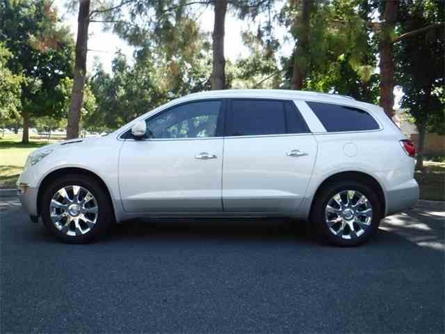2011 Buick Enclave | 1012402