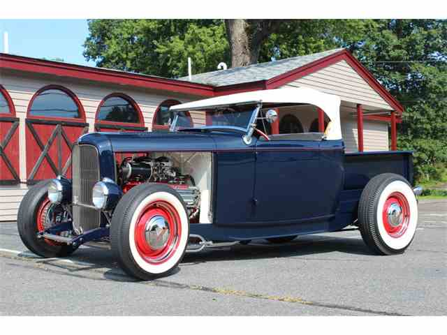 1932 Ford Pickup   1012677
