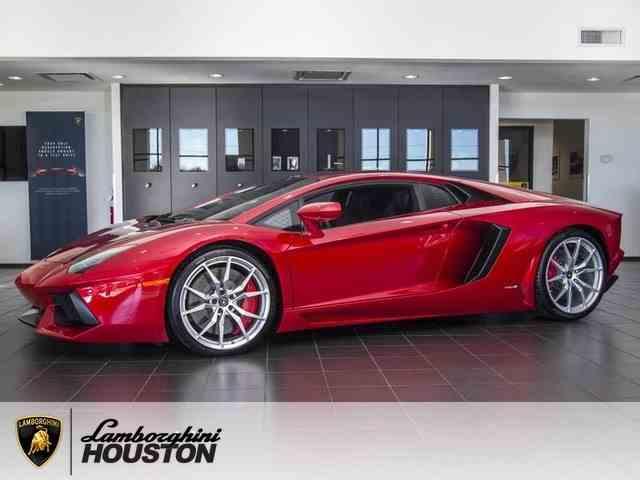 2016 Lamborghini LP700-4 | 1013225