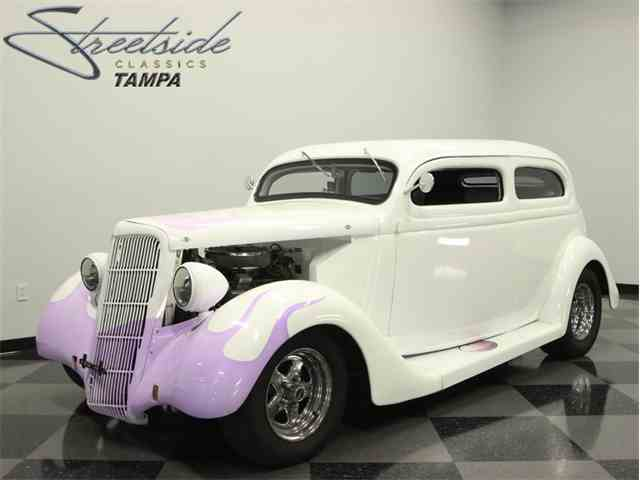 1935 Ford Humback Sedan | 1014427