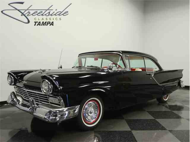 1957 Ford Fairlane Club Victoria | 1014436