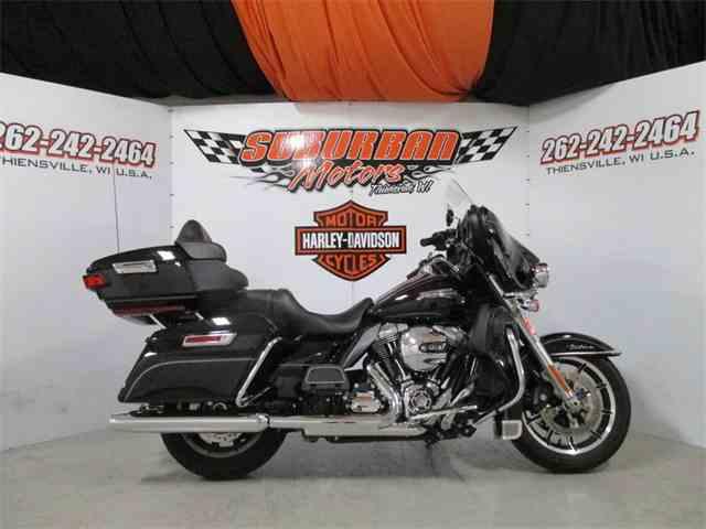 2016 Harley-Davidson® FLHTCU - Electra Glide® Ultra Classic® | 1014489
