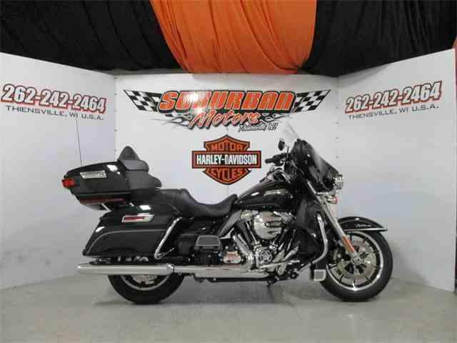 2016 Harley-Davidson® FLHTCU - Electra Glide® Ultra Classic® | 1014493