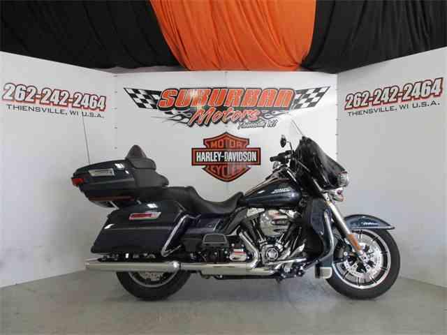 2016 Harley-Davidson® FLHTCU - Electra Glide® Ultra Classic® | 1014495