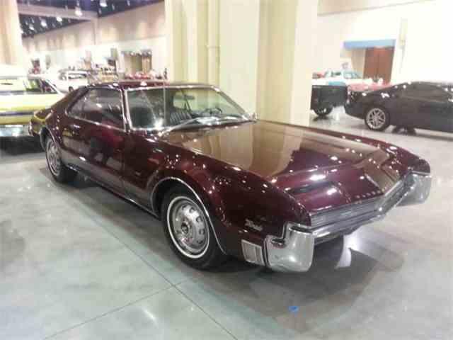 1966 Oldsmobile Toronado | 1010476